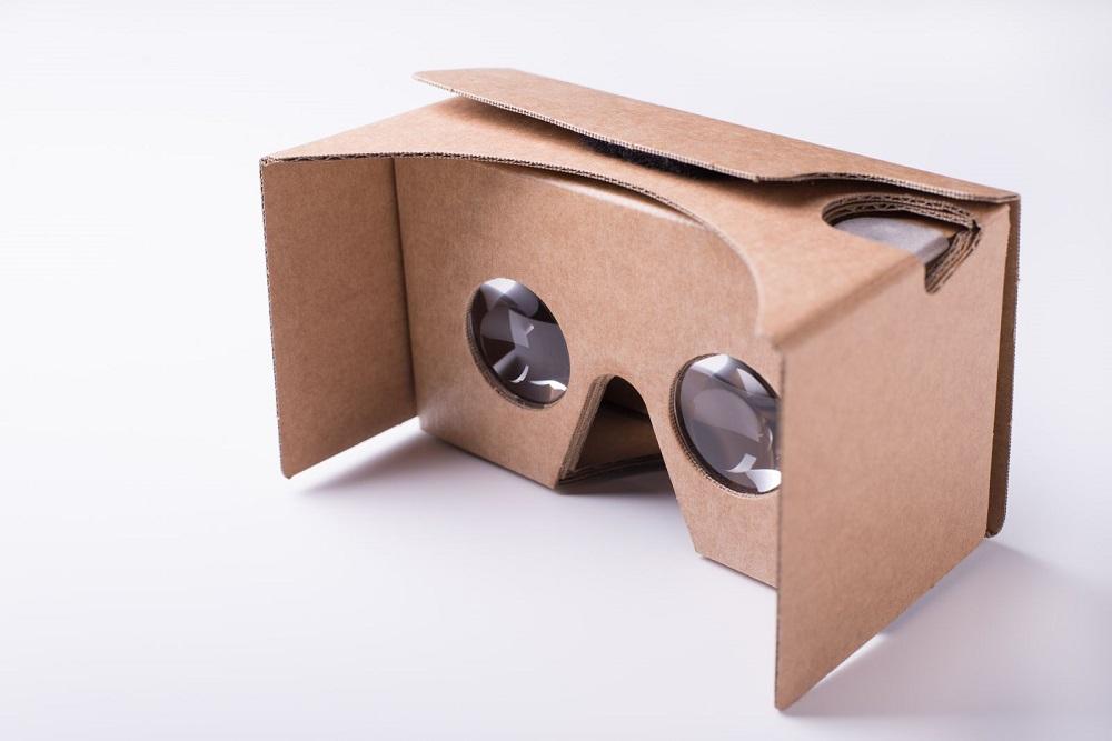 vr_cardboard.jpg (100 KB)